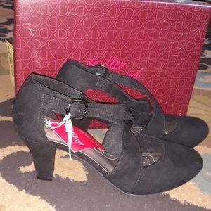New Women's High Heels Size 9